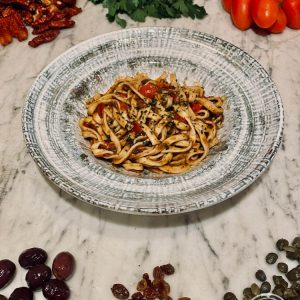 Gli Spaghetti alla chitarra al pesto di Pantelleria di Risto' a casa - Torino