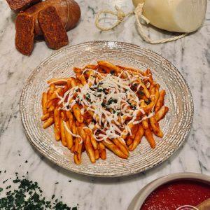 Gli Spaghetti alla silana al pesto di Pantelleria di Risto' a casa - Torino